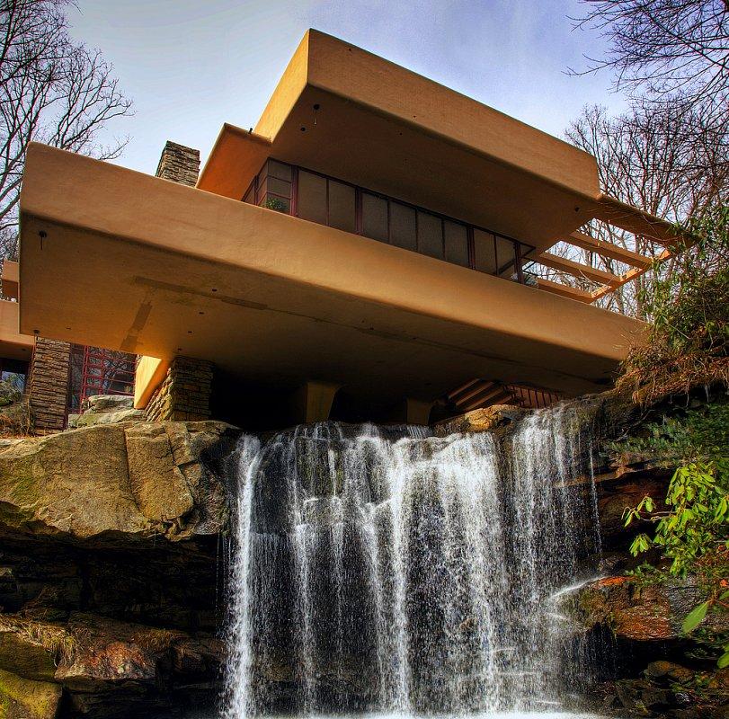 фен-шуй дома над водопадом